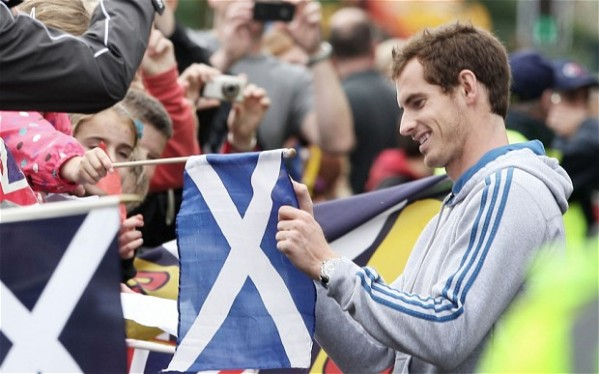 Andy Murray received the welcome of a hero when he returned back to Scotland. (Photo credit: PA)